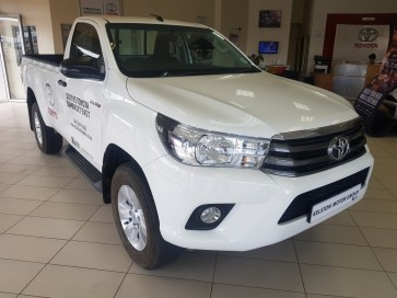 Toyota Hilux SC 2.4 GD 6 4 X 4 SRX 6 AT