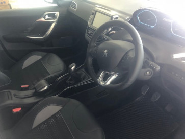Peugeot 2008 Allure SUV 1.6HDi 68kW Manual