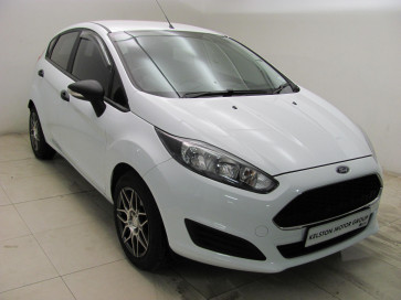 Ford Fiesta 1.0 EcoBoost ambiente 5MT 5D