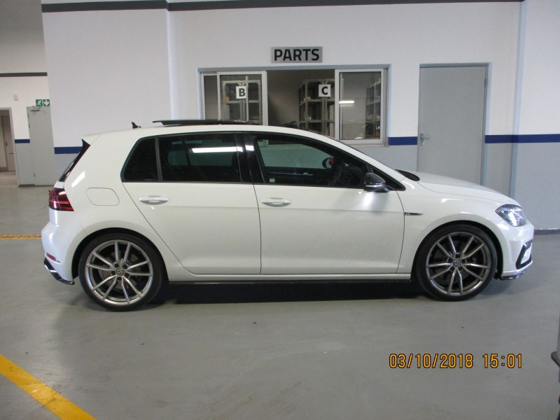 Volkswagen New Golf R TSI 213kW DSG