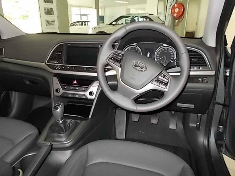2019 Sparkling Metal Hyundai Elantra 16 Executive Mt R 330 970