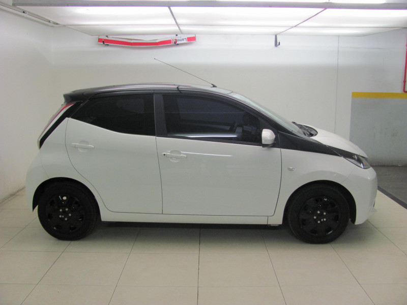 Toyota Aygo X-Play Silver
