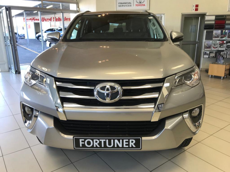 Toyota Fortuner 2.4 GD-6 R/B MT