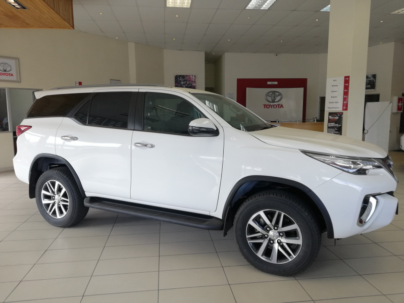 Toyota Fortuner 2.8 GD-6 RB AT