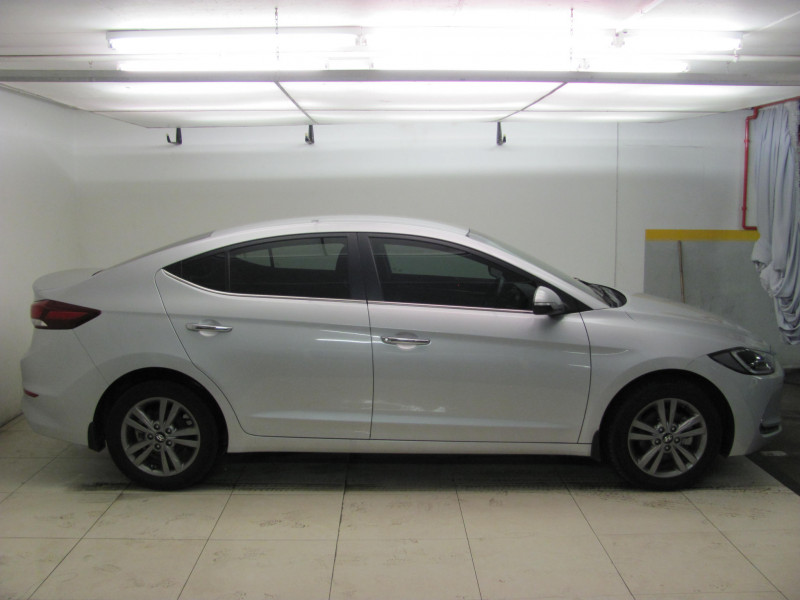 Hyundai Elantra 1.6 Executive MT