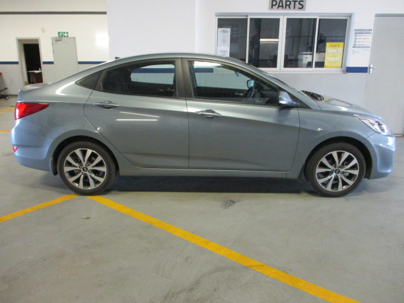 Hyundai Accent 1.6 Fluid Manual Sedan