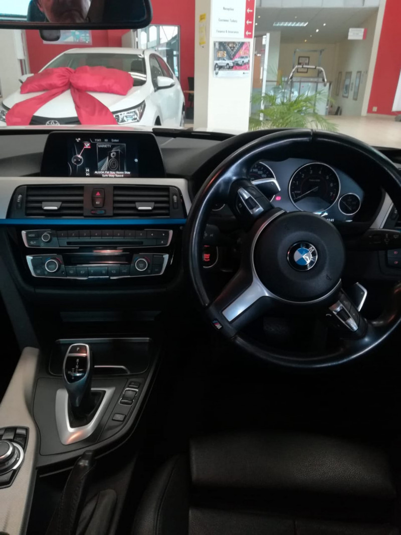 BMW  3 Series 320 i M Sport AT F30