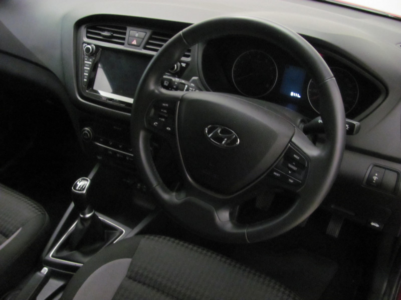 Hyundai i20 1.4 Fluid Manual