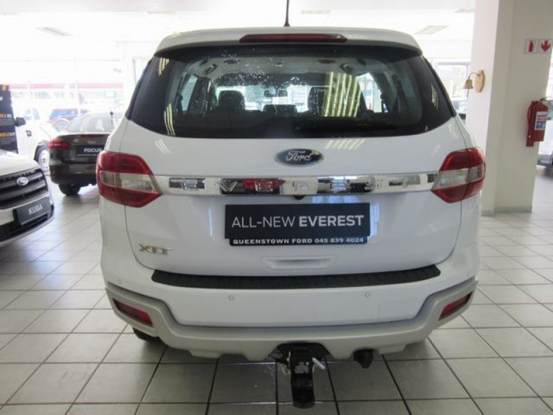 Ford Everest 2.2 TDCi XLT 6MT 4x2 (includes SUNC3&Navigation)