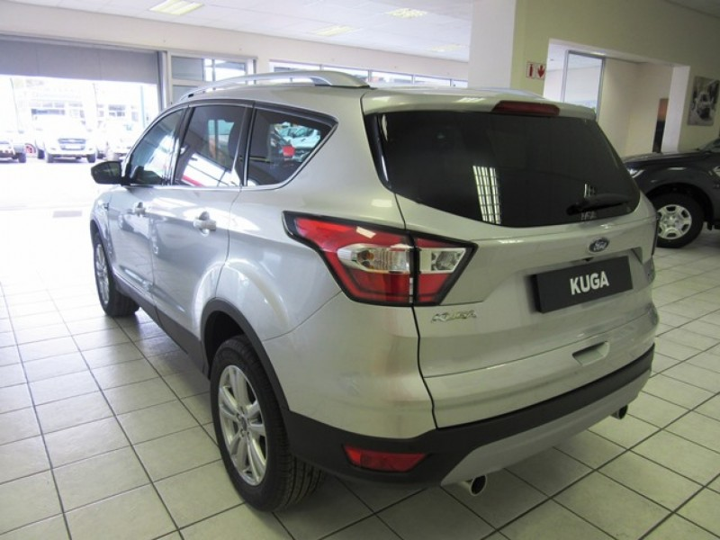 Ford Kuga 1.5 EcoBoost AMBIENTE 6MT FWD SUV